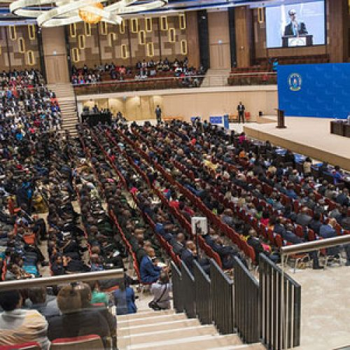 Il Rwanda vuole porre fine alla dipendenza dagli aiuti internazionali