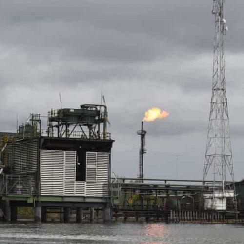 Nigeria, la fine del prezzo sovvenzionato del carburante