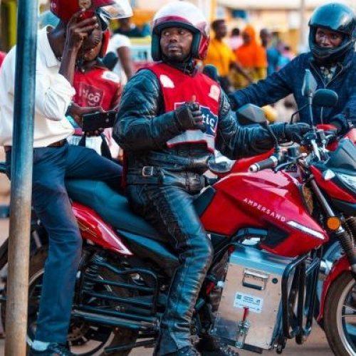 Uber moto Guarda al Africa