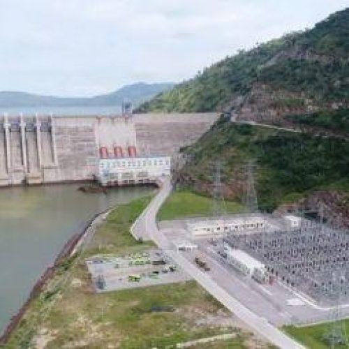Ghana: La Bui Power Authority sta costruendo una centrale solare da 250 MW accanto alla diga idroelettrica di Bui (400 MW)